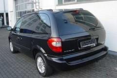 Chrysler Voyager minivena foto attēls 11
