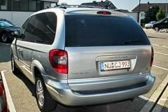 Chrysler Voyager minivena foto attēls 10