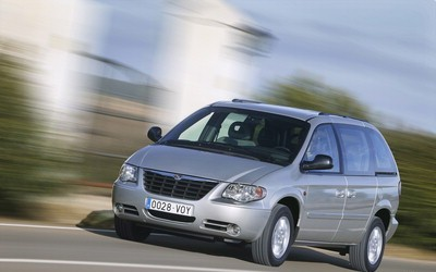 Chrysler Voyager 2004 foto attēls