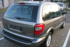 Chrysler Voyager minivena foto attēls 12