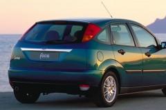 Ford Focus hatchback photo image 2
