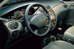 Ford Focus sedana foto attēls 3