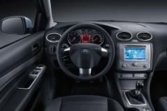Ford Focus sedana foto attēls 8