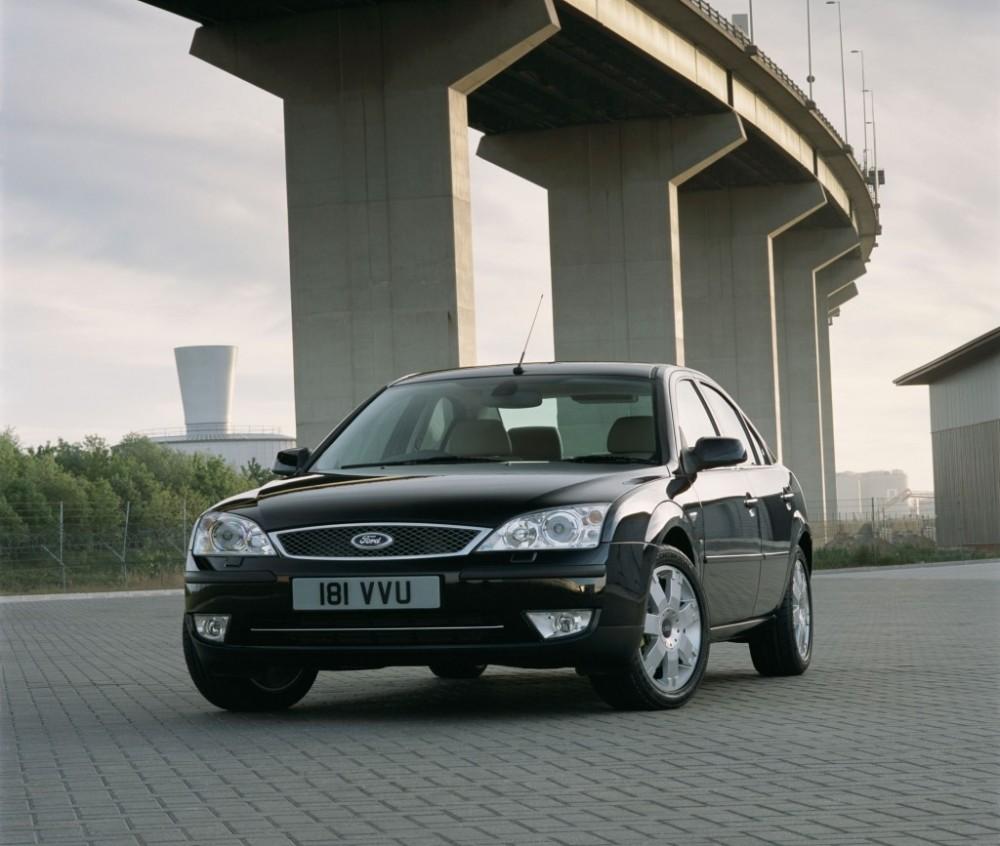Ford Mondeo sedan photo image 3