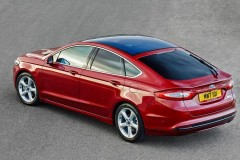 Ford Mondeo hečbeka foto attēls 12