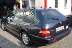 Honda Accord estate car photo image 6