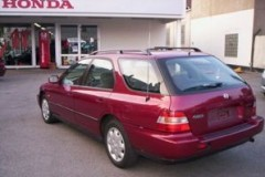Honda Accord estate car photo image 13