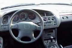 Honda Accord hatchback photo image 3