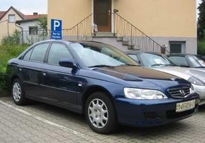 Honda Accord Sedan 2001 - 2003 reviews, technical data, prices