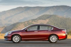 Honda Accord sedan photo image 5