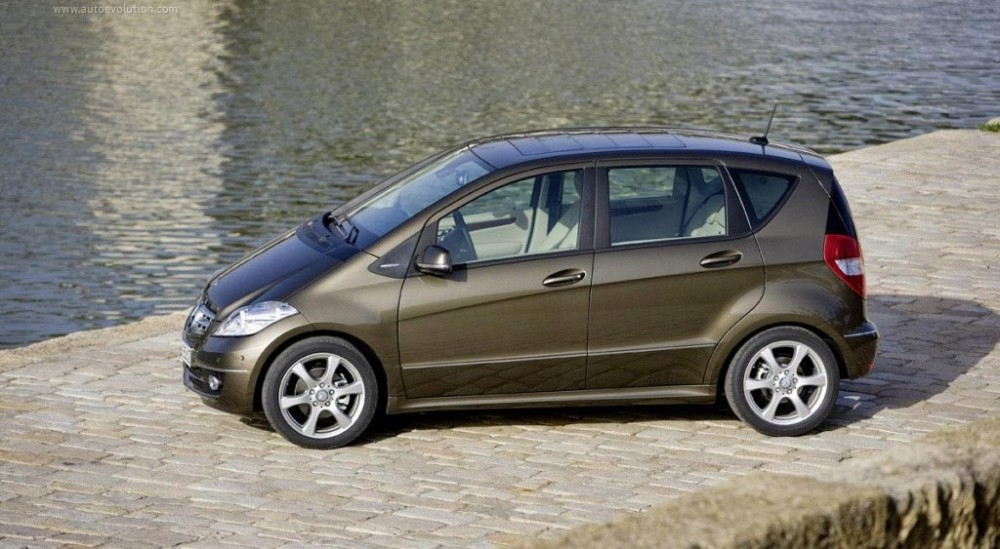 Mercedes a class hatchback 2008 2012 reviews technical for Mercedes benz average price