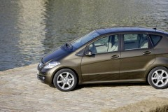 Mercedes A class hatchback photo image 11