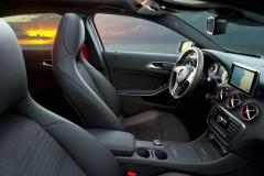 Mercedes A class hatchback photo image 11