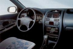 Mitsubishi Carisma sedan photo image 8