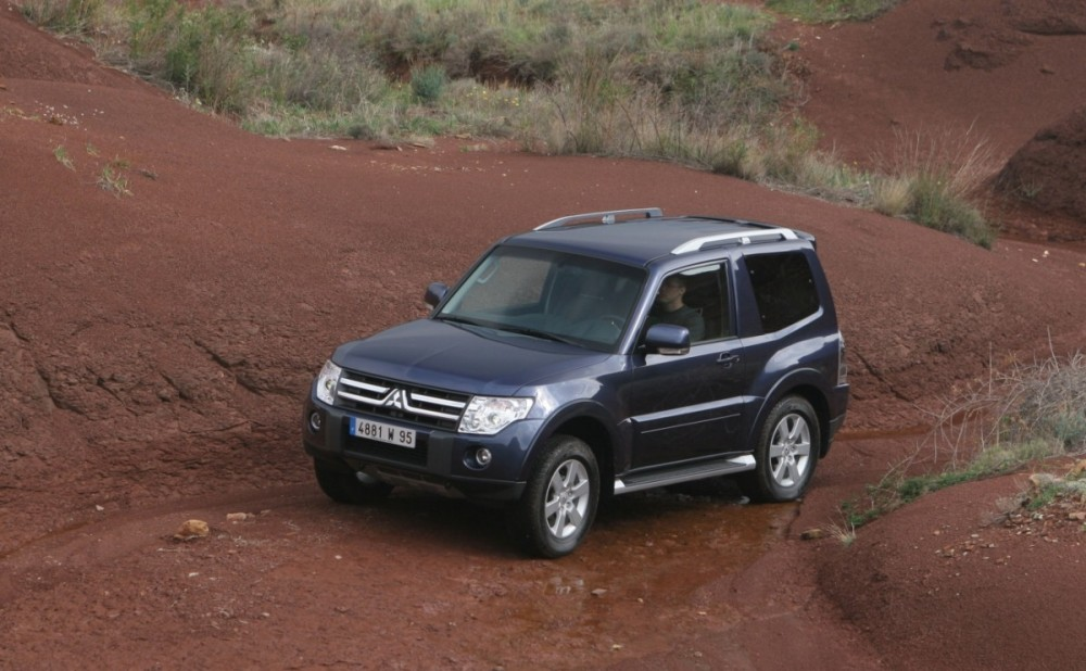 mitsubishi pajero 3 door 2006 - reviews, technical data, prices