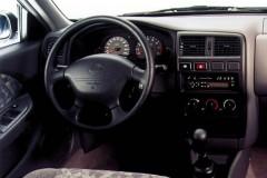 Nissan Almera hečbeka foto attēls 1