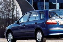 Nissan Almera hečbeka foto attēls 2