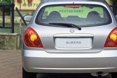 Nissan Almera hečbeka foto attēls 5