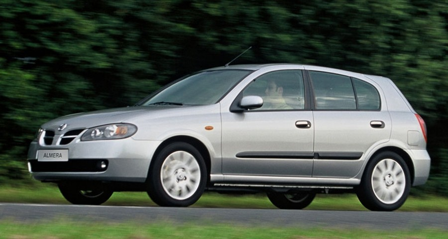 Nissan Almera Hatchback 2002 - 2006 reviews, technical data, prices