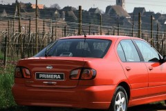 Nissan Primera sedana foto attēls 1