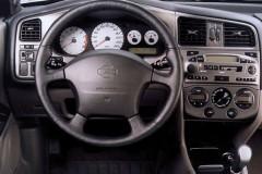 Nissan Primera sedana foto attēls 4