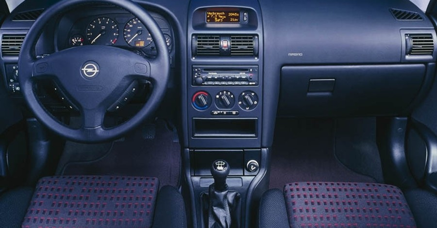 Opel Astra Hatchback 1998 2004 Reviews Technical Data Prices