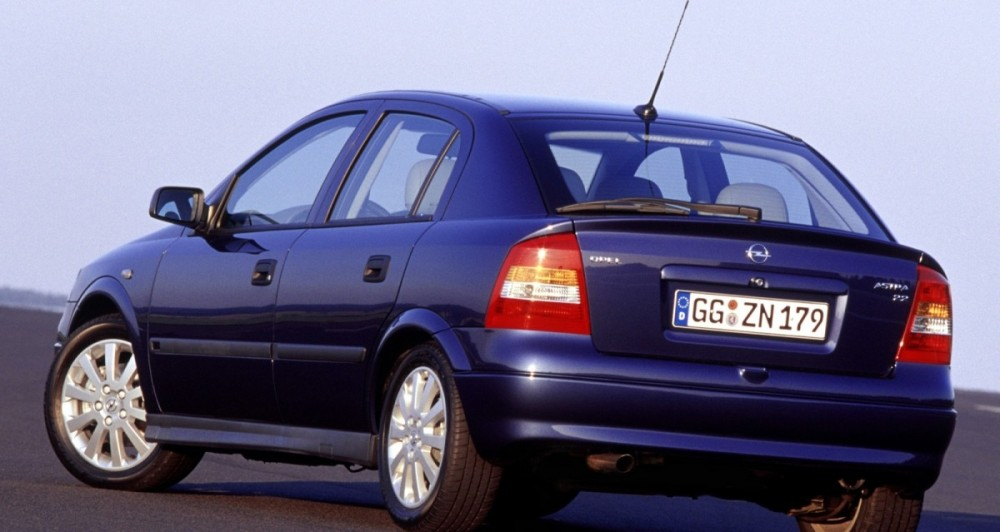 opel astra hatchback 1998 2004 reviews technical data prices. Black Bedroom Furniture Sets. Home Design Ideas