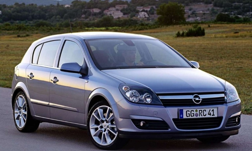 opel astra hatchback 2004 2007 reviews technical data prices. Black Bedroom Furniture Sets. Home Design Ideas