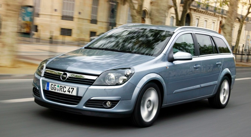 Opel Astra 2004 foto attēls