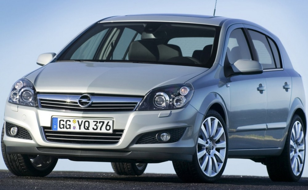 opel astra hatchback 2007 2009 reviews technical data prices. Black Bedroom Furniture Sets. Home Design Ideas