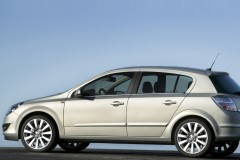 Opel Astra hečbeka foto attēls 2