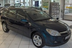 Opel Astra universāla foto attēls 21