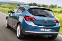 Opel Astra hatchback photo image 1