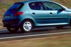 Peugeot 206 hečbeka foto attēls 4
