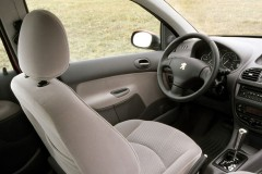 Peugeot 206 hečbeka foto attēls 6
