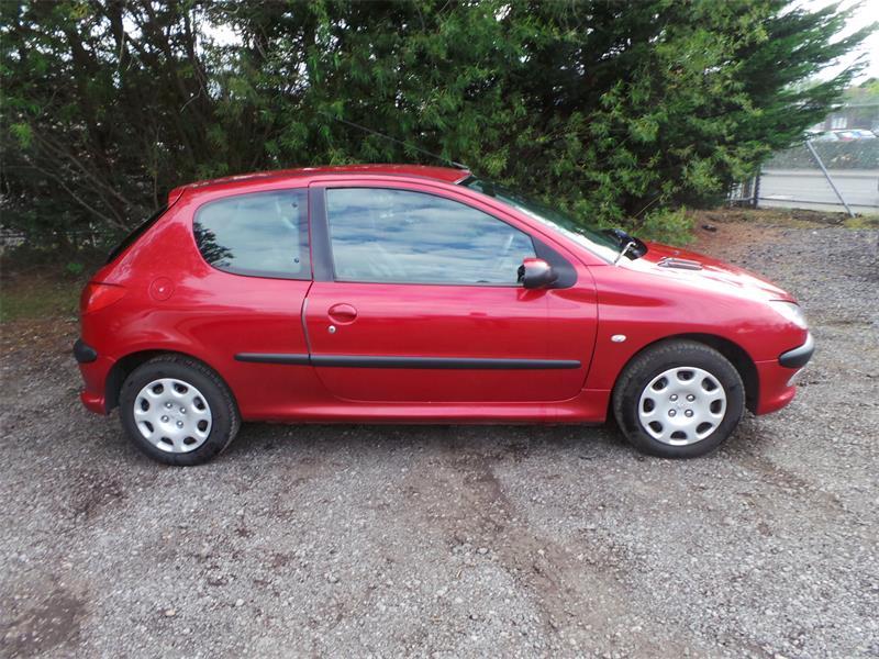 Peugeot 206 2005 foto attēls