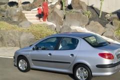Peugeot 206 sedana foto attēls 1