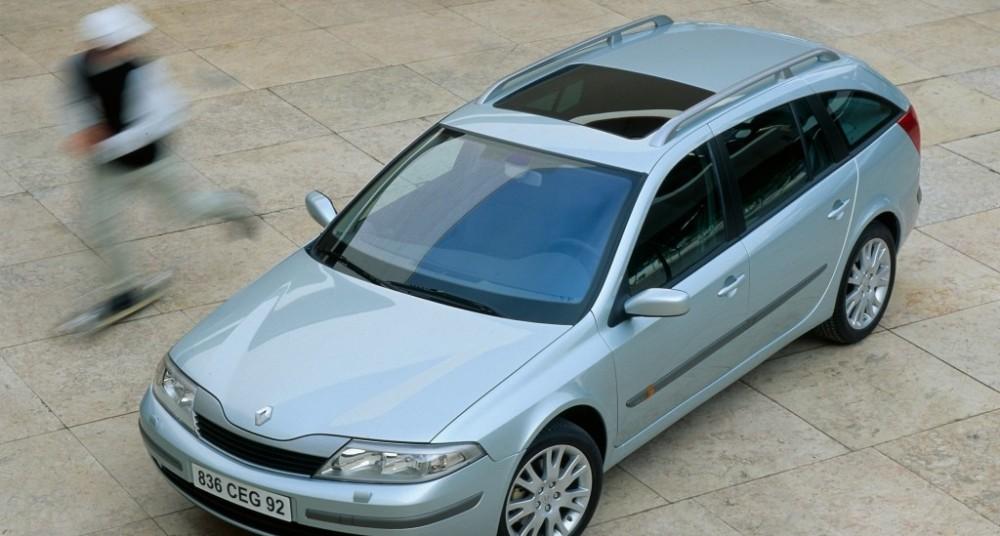 Renault Laguna 2001 foto attēls