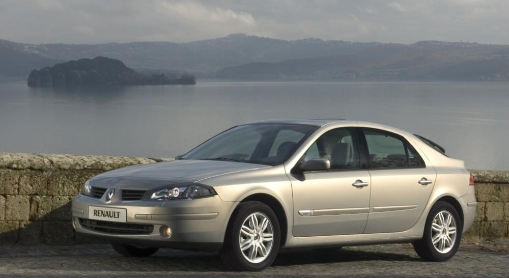 Renault Laguna 2005 foto attēls