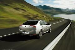 Renault Laguna hečbeka foto attēls 12