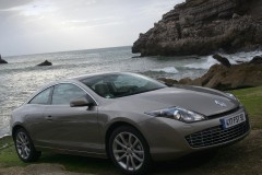Renault Laguna coupe photo image 11