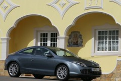 Renault Laguna coupe photo image 16