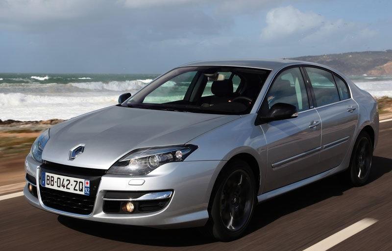 Renault Laguna 2010 foto attēls