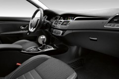Renault Laguna hatchback photo image 3