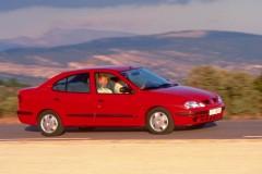 Renault Megane sedan photo image 5