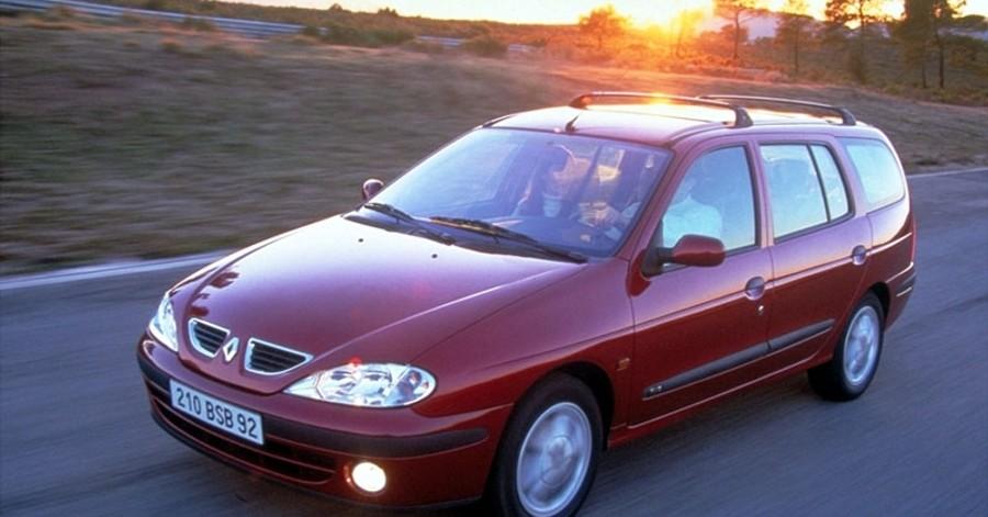 Renault megane univers ls 2000 2003 atsauksmes for Interieur renault megane 2000