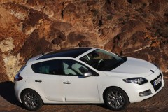 Renault Megane hatchback photo image 4