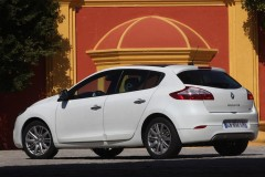 Renault Megane hatchback photo image 3