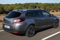 Renault Megane estate car photo image 13