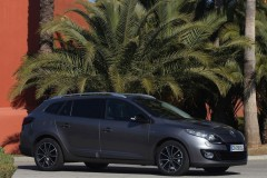 Renault Megane estate car photo image 2